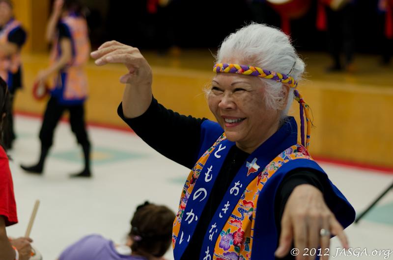 Okinawan Dancer at Aki Matsuri 2012
